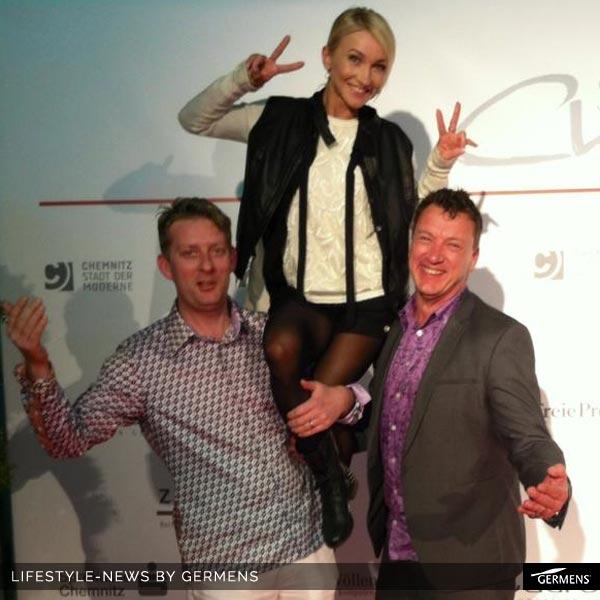 René König und Kai Schmidt üben mit Aljona Savchenko für eventuelle Showauftritte, z.B. bei Imagine on Ice.